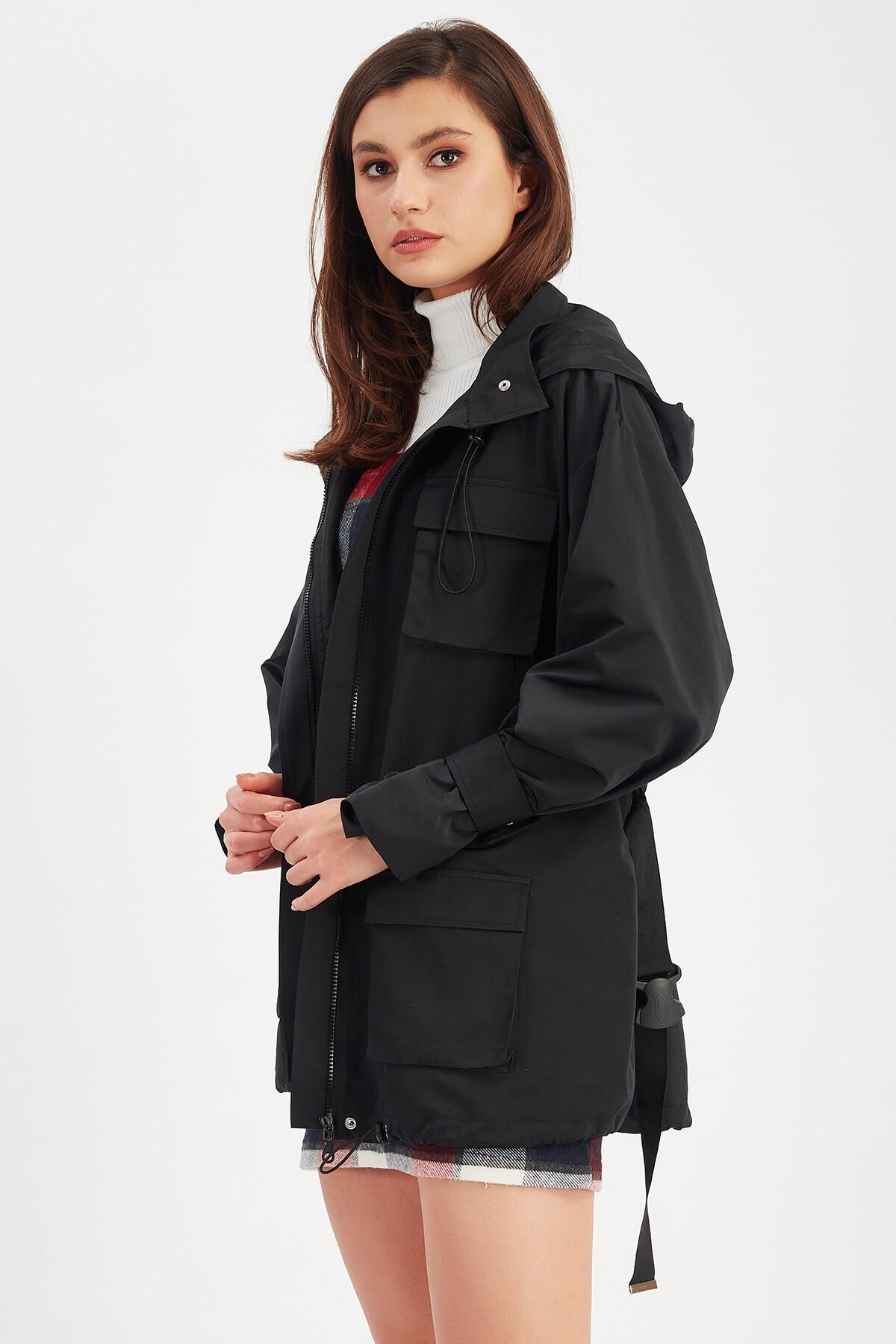 Siyah Kapşonlu Kadın Mont | Mk21W366014