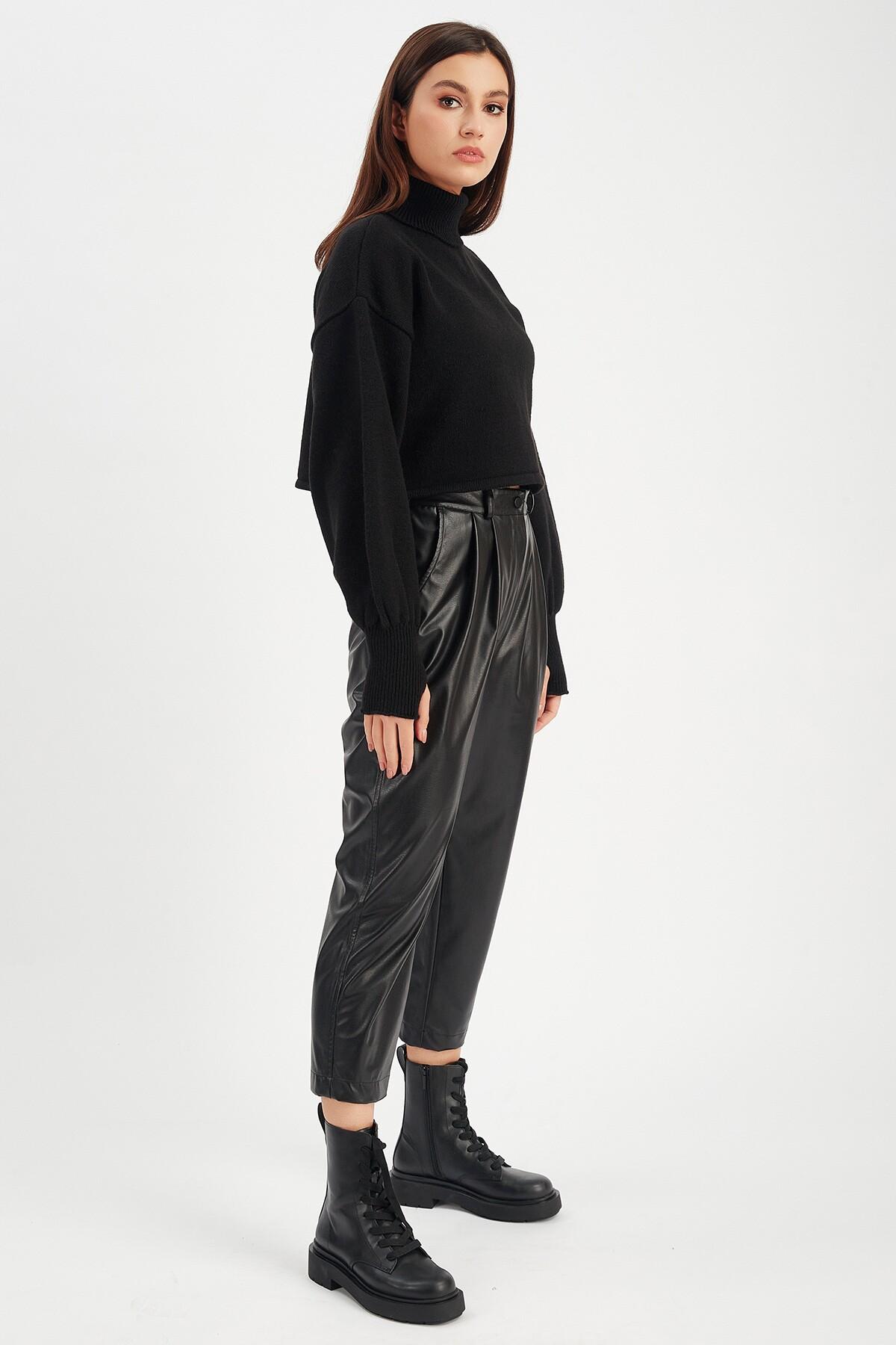 Siyah Kadın Deri Pantolon   Mk21W660108